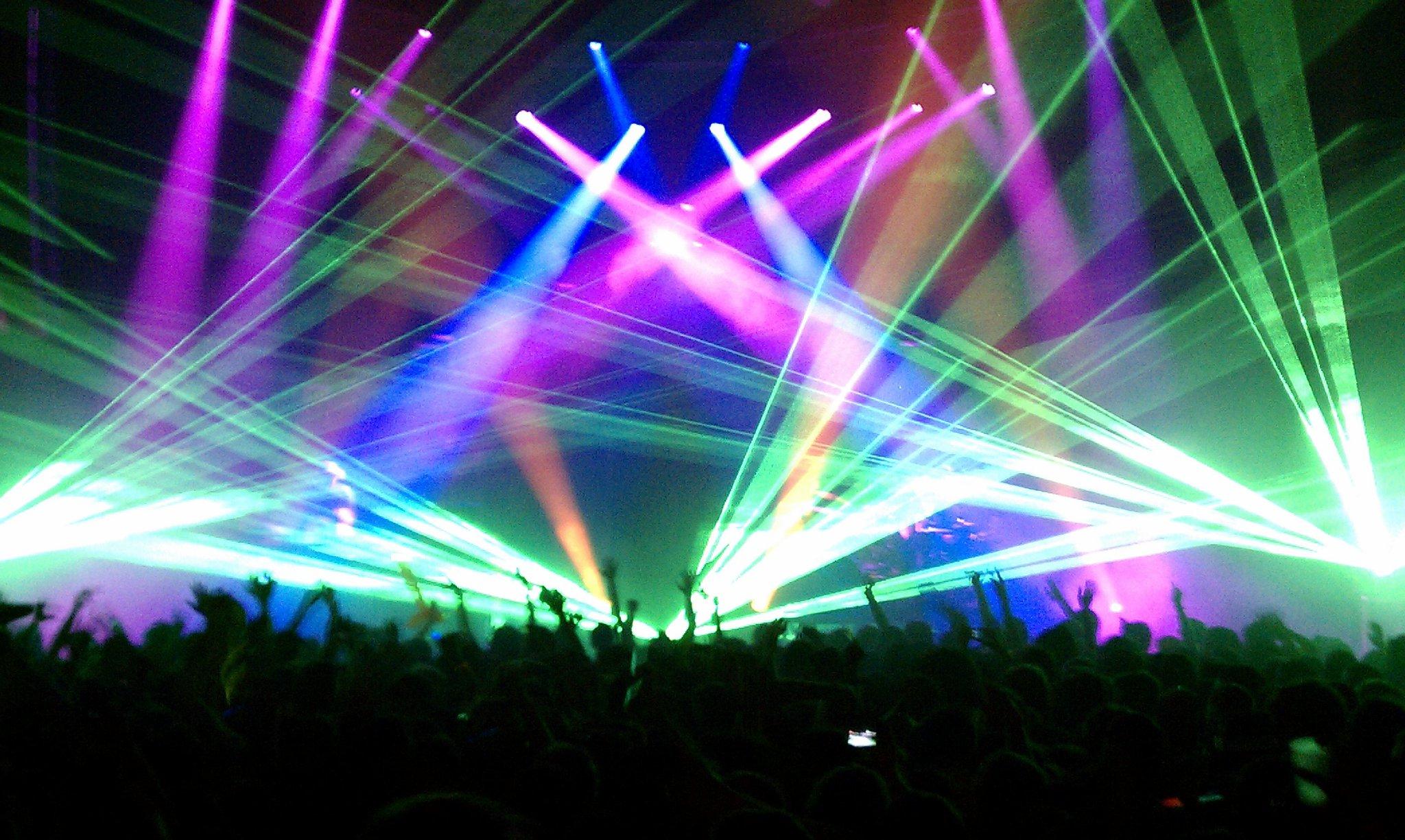 Sunday school 40 pretty lights forward musiq for Musically lit
